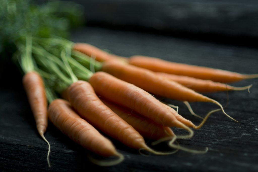 Unwashed carrots for carotenoids