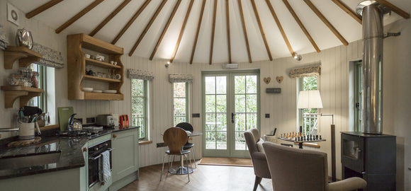 harptree_court-kitchen-cropped_cs_gallery_preview