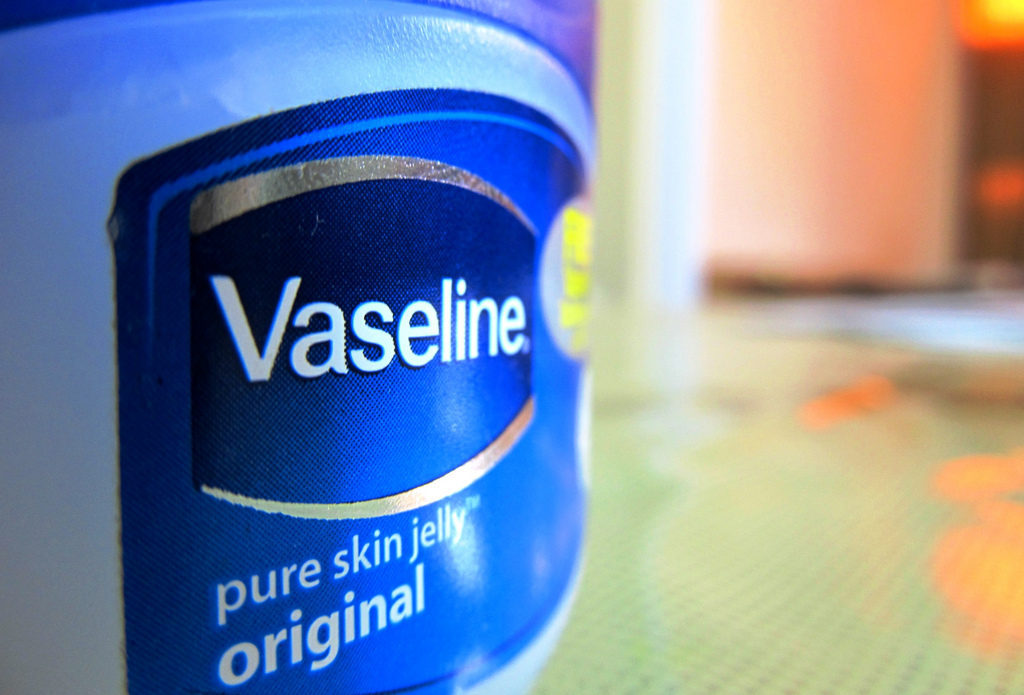 Vaseline for blocking pollen